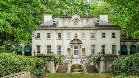 Swan House in Atlanta - part of Atlanta History Center Stok Fotoğraf - 56056844