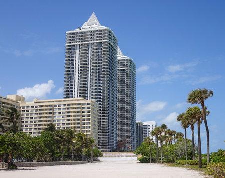sawgrass: Diamond Condominiums in Miami Beach Editorial
