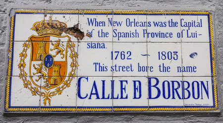 french quarter: Calle Borbon - Famous Bourbon street in New Orleans French Quarter