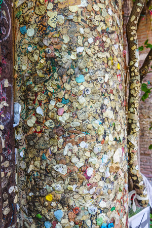 juliet: Couples in Love attached chewing gums and letters to the wall of Juliets house in Verona - Romeo and Juliet