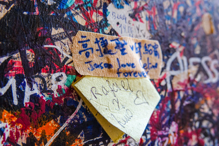 juliet: Love letters on the wall at Juliets house in Verona - Romeo and Juliet Editorial