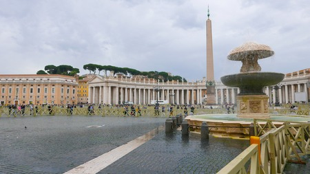 st  peter's square: ROME  ITALY - NOVEMBER 6, 2016 - St Peters Square in Rome at Vatican City