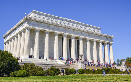 Abraham Lincoln Memorial in Washington DC - WASHINGTON  DISTRICT OF COLUMBIA - APRIL 9, 2017