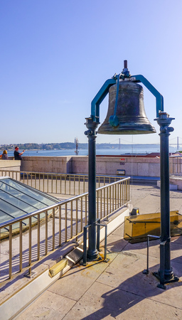 tagus: Famous Copper bell on the top of Augusta Street Arch in Lisbon - LISBON - PORTUGAL - JUNE 17, 2017 Editorial