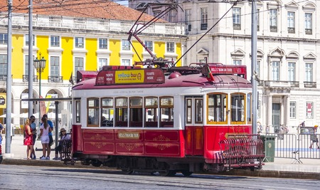 Sightseeing tram in the historic district of Lisbon called Electrico 報道画像