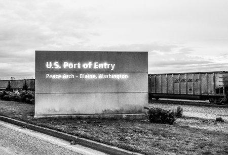 US Port of Entry Blaine Washington - BLAINE - WASHINGTON - APRIL 13, 2017 Редакционное