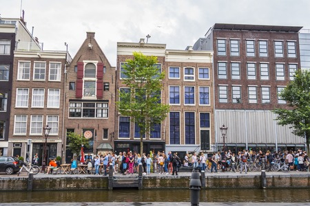 One of the most popular attractions in Amsterdam - the Anne Frank House and museum - AMSTERDAM - THE NETHERLANDS - JULY 20, 2017 Stok Fotoğraf - 85149483