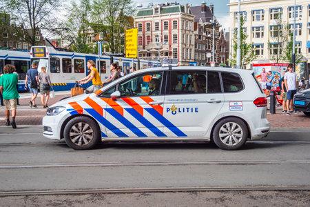 De Politiewagen van Amsterdam in de stad - AMSTERDAM - NEDERLAND - 20 JULI, 2017