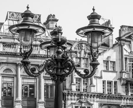 Street lanterns at Trafalgar Square in London Reklamní fotografie