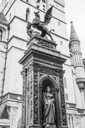 The famous drangon statue that indicates the border of the City of London Reklamní fotografie