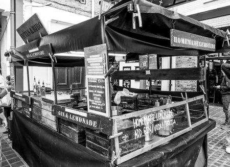 Street food at Greenwich Market - LONDON  GREAT BRITAIN - SEPTEMBER 19, 2016 Redakční