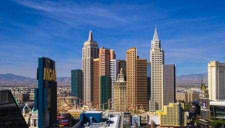 Skyline of Las Vegas strip - aerial view - LAS VEGAS - NEVADA - OCTOBER 12, 2017 新闻类图片