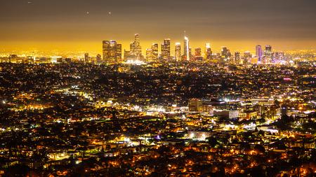 Centre-ville de Los Angeles de nuit - vue aérienne