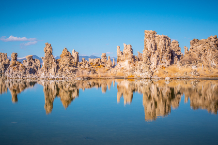 Tufa towers columns of limestone at Mono Lake Banco de Imagens