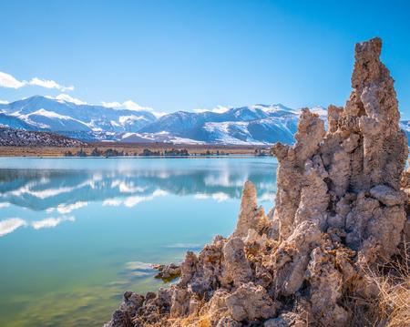 Tufa towers columns of limestone at Mono Lake 스톡 콘텐츠
