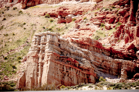Scenic desert cliffs and buttes at Red Rock Canyon State Park Foto de archivo