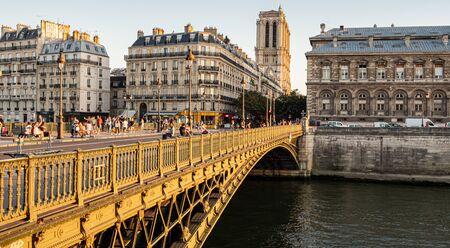 The bridges over River Seine in Paris - PARIS, FRANCE - JULY 29, 2019 写真素材