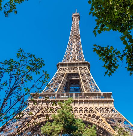 Famous Eiffel Tower in Paris on a sunny day 스톡 콘텐츠