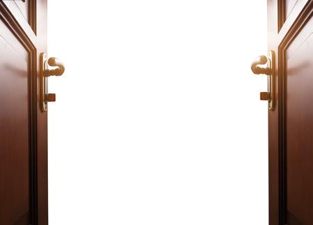 portones de madera: habitaci�n con puerta abierta Foto de archivo