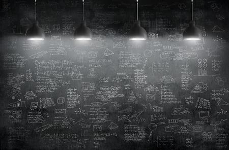 blackboard: habitación con lámpara de techo y la idea concepto en la pared pizarra blackground