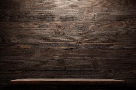tabla de madera: Madera estante interior industrial de grunge Foto de archivo