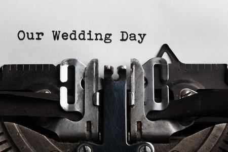anniversario matrimonio: il nostro matrimonio concetto di giorno, scritte