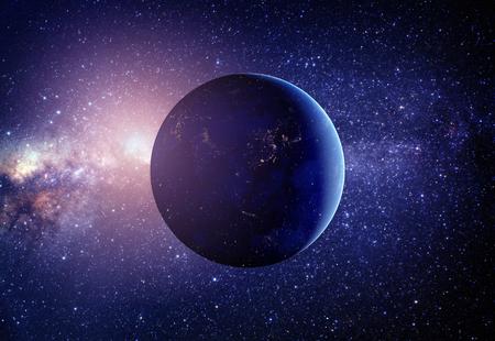 Planeet aarde vanuit de ruimte in het midden met sterren. Stockfoto