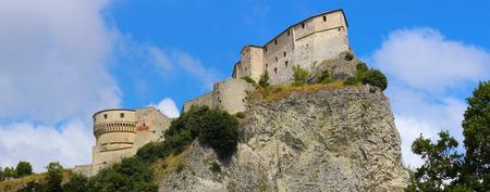 Panoramic view of San Leo Fortress (Rimini, Emilia Romagna, Italy) 新聞圖片