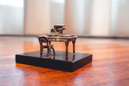 Miniature Old Desk with Typewriter Macro 写真素材