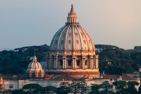 VIew von St. Peters Dome bei Sonnenuntergang, schönes Detail und Licht
