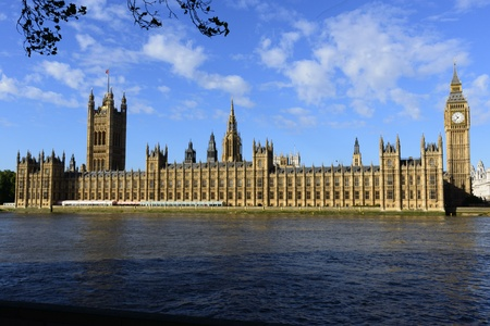 Houses of parliament and big ben across the river thames in london Stock Photo - 16614035