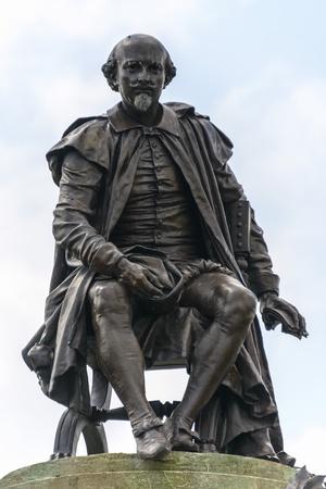 Shakespeare Statue in Stratford-upon-Avon