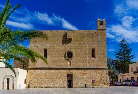 Das befestigte Heiligtum der Stadt San Vito Lo Capo im Norden Siziliens in der Provinz Trapani, Italien