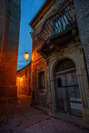Montalbano elicona, 시칠리아의 중세 마을