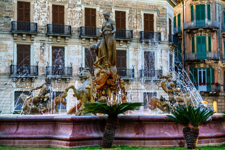 The fountain on the square Archimedes in Syracuse. Sicily, Italy Stock Photo