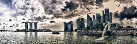 Singapur-5 lutego: Marina Bay jest również bardzo popularne dla turystów. Wieczór zakończy się spektakularnym światła i pokaz dźwięku w Marina Bay dnia 5 lutego 2012 roku w Singapurze.