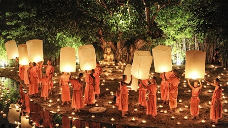 chiang mai: CHIANG MAI THAILAND-NOVEMBER 28 : Loy Krathong festival in Chiangmai.Traditional monk Lights floating balloon made of paper annually at Wat Phan Tao temple.on November 28,2012 in Chiangmai,Thailand