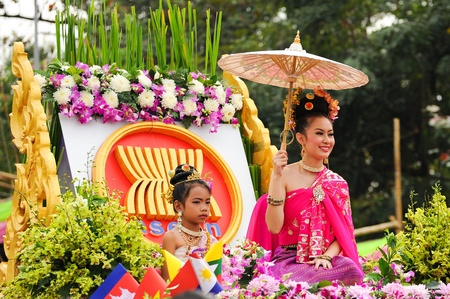 chiang mai: CHIANG MAI,THAILAND-FEB.2 : 37th Anniversary Chiang Mai Flower Festival, Unidentified woman in parade annual Chiang Mai flower festival. on Feb.2, 2013 in Chiang Mai,Thailand.