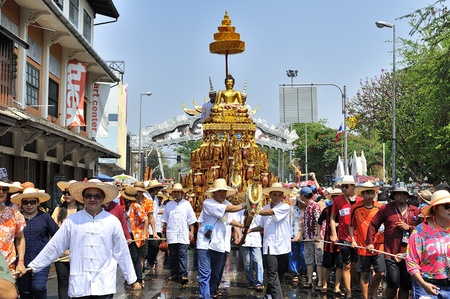 CHIANGMAI THAILAND-APRIL 13:Chiangmai Songkran festival.The tradition of bathing the Buddha Phra Singh marched on an annual basis. With respect to faith.on April 13,2013 in Chiangmai,Thailand. Stock Photo - 19031067