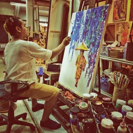 canvas: Thai artist in Night-brazaa Chiang Mai