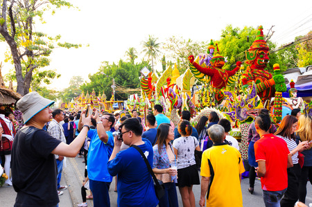 flower parade: CHIANG MAI,THAILAND - FEB.6 : 40 th Anniversary Chiang Mai Flower Festival 2016, Unidentified many tourists come to the attention walks Floral Parade. This festival is held annually in February.