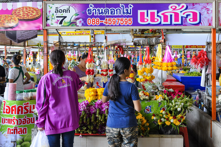 RATCHABURI THAILAND - MAY 3, 2017 : Ratchaburi market center, Unidentified popular tourists come shopping market is famous for raw food, sweets food and souvenirs. Open daily, recommended places.
