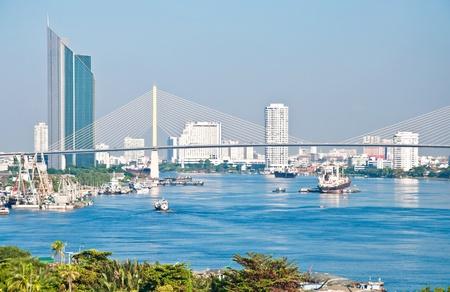 Le transport par bateau dans la rivière Chao Phra ya, Bangkok, Thaïlande Banque d'images - 14602284