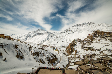 Photo of village in winters in himalayas - Spiti valley 免版税图像 - 123052963