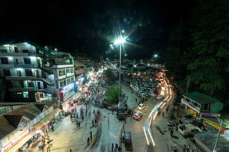 Kullu, Himachal Pradesh, India - May 29, 2019 : People roaming on the mall road in night in himalayas - Editöryel