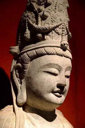 cabeza de buda: Cabeza de Buda de piedra