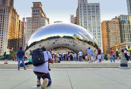 chicago city: Tourists taking photo at a scenic spot in Chicago city Editorial