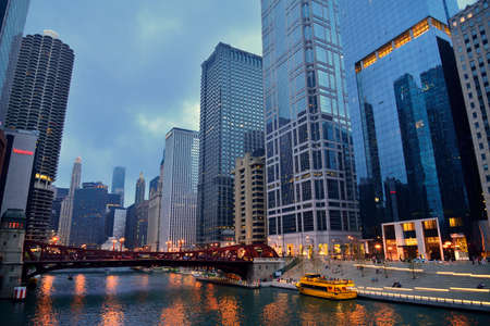 illinois river: The Chicago River at night