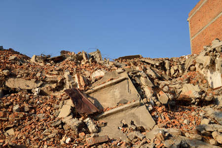 demolish: Building rubble