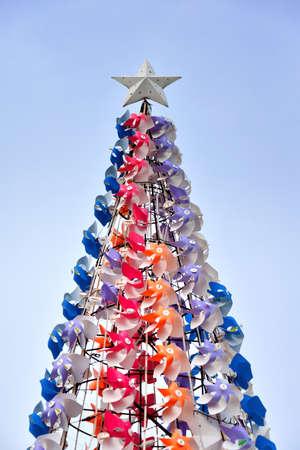 estrellas cinco puntas: en forma de árbol de Navidad de color molino de viento Foto de archivo
